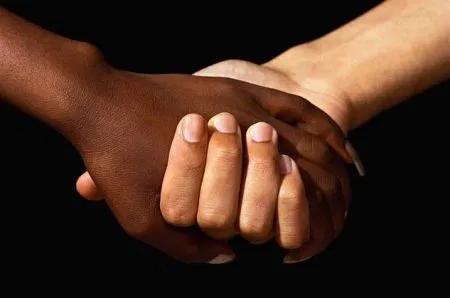 Avviso pubblico per la selezione di privati cittadini disponibili ad assumere a titolo volontario la tutela di minori stranieri non accompagnati presenti nella Regione Abruzzo